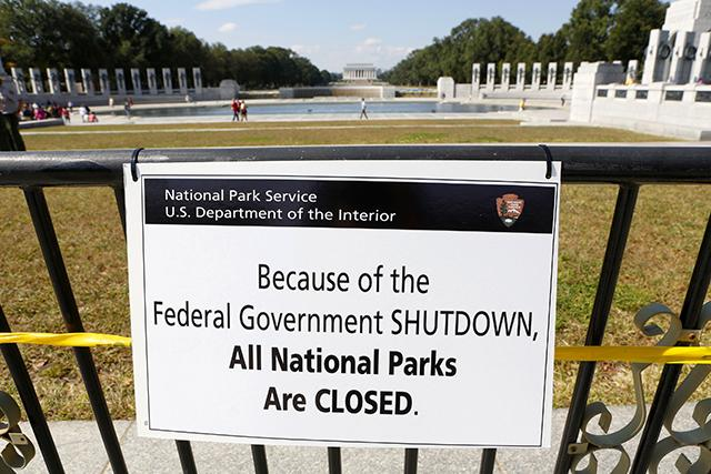 "Government Shutdown Signs"" Show Obama White House Planned Shutdown"